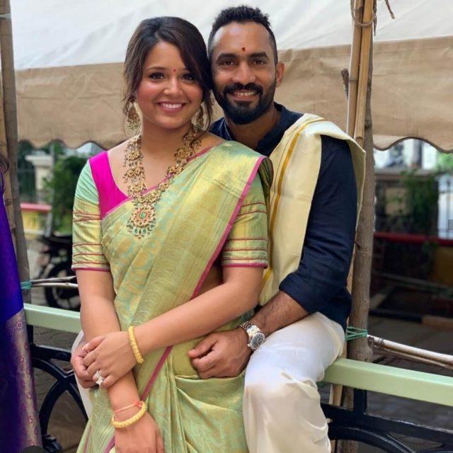 Dinesh Karthik with his wife Deepika Padikkal (Photo-Twitter)