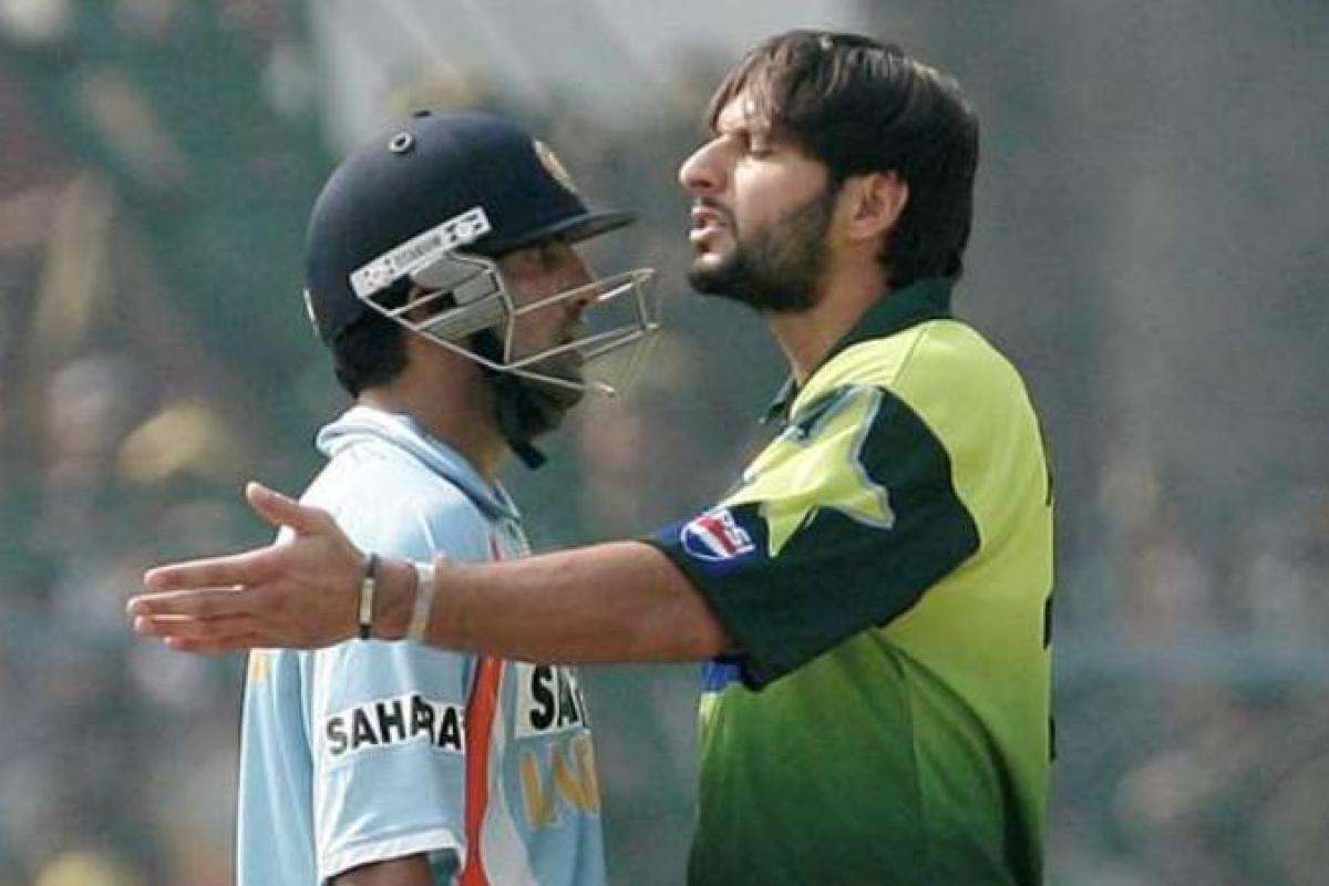 Gautam Gambhir and Shahid Afridi (AP)