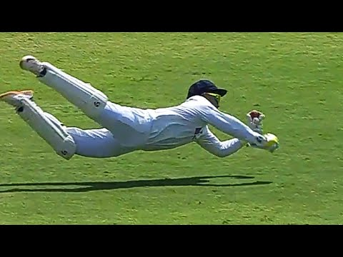 Rishabh Pant takes a stupendous one-handed catch to remove Jack Leach (Credits: Twitter)