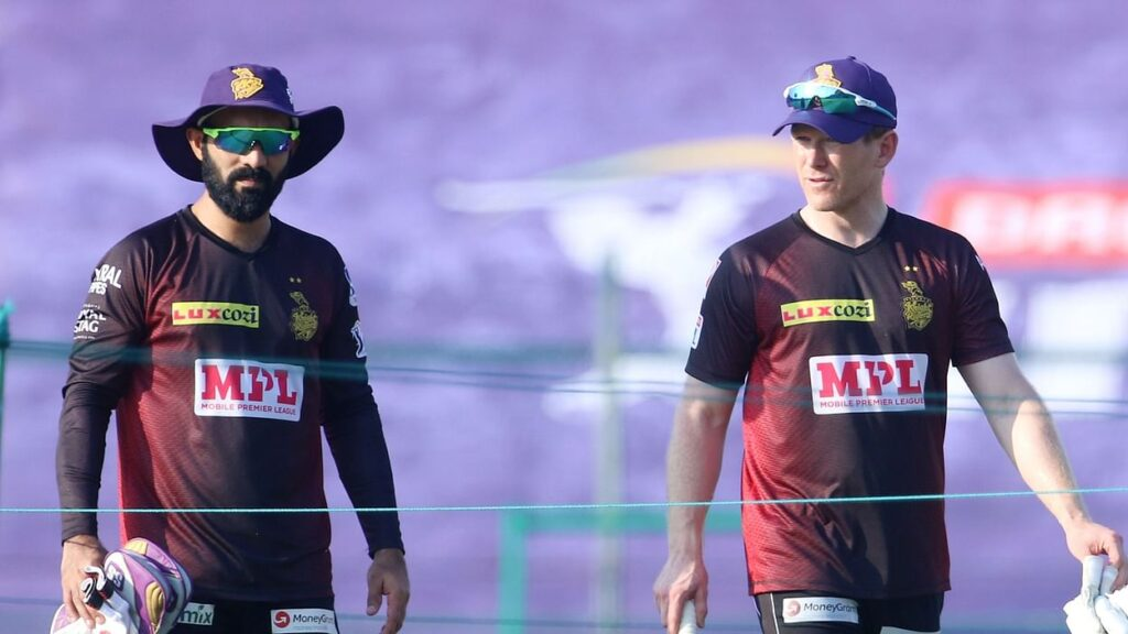 Dinesh Karthik and Eoin Morgan