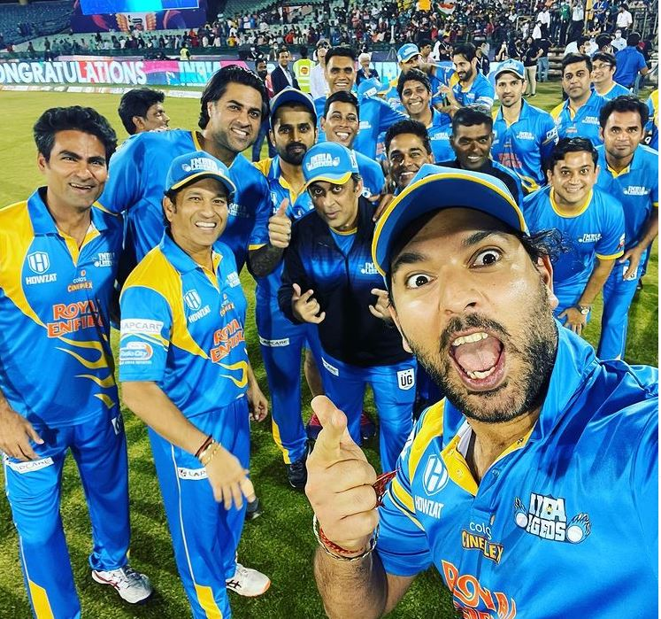 Yuvraj Singh posts photo with victorious India Legends