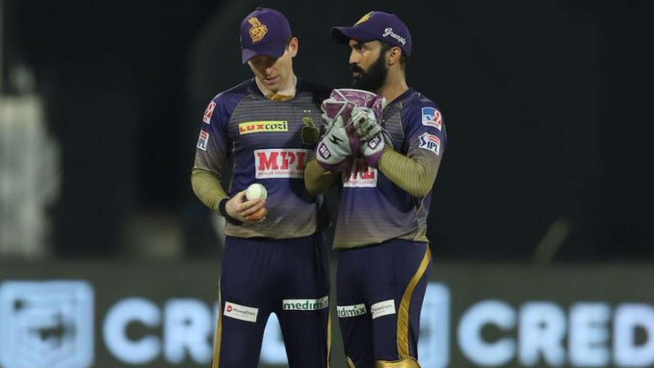 Eoin Morgan and Dinesh Karthik