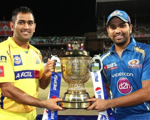 MS Dhoni and Rohit Sharma in IPL 2013 Final