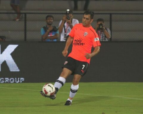 MS Dhoni playing Football (Photo-Twitter)