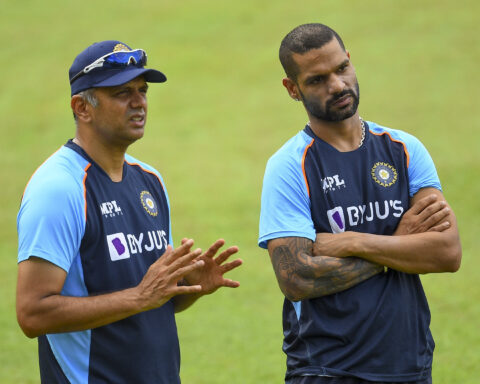 Shikhar Dhawan and Rahul Dravid (Photo-BCCI)