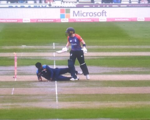 Watch: Heather Knight's Bizarre Run-Out In The Second T20I Against India Sparks Controversy
