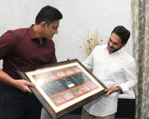 Anil Kumble, YS Jagan Mohan Reddy