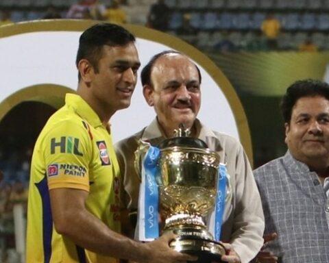 MS Dhoni, IPL 2018 Trophy