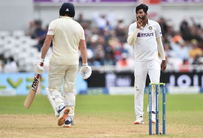 Mohammed Siraj rejects Jonny Bairstow during Lord's Test