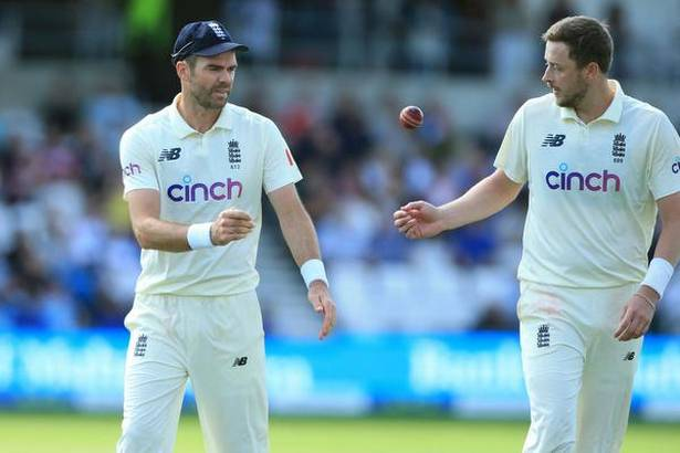James Anderson and Ollie Robinson