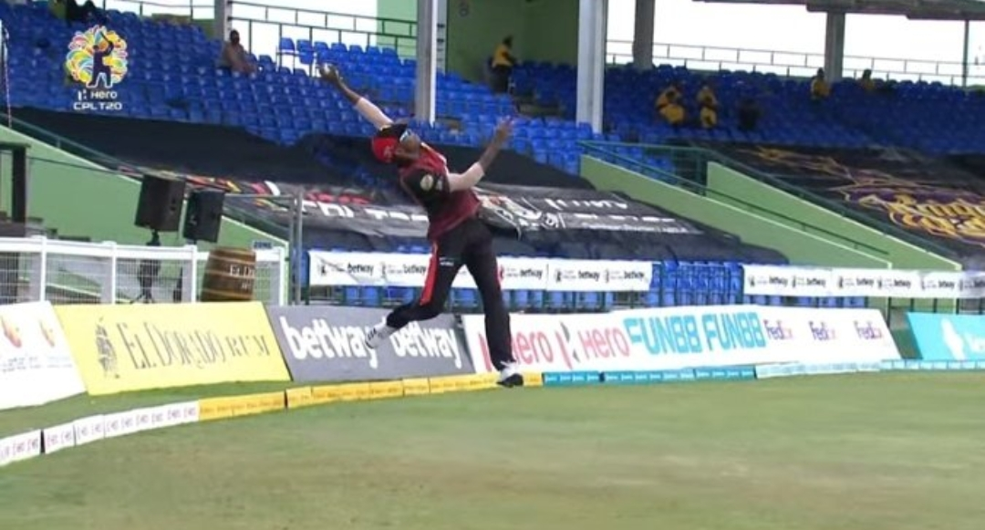 CPL 2021: Akeal Hosein Takes An Exceptional One-Handed Catch (Watch Video)