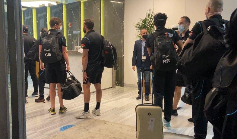 न्यूजीलैंड के खिलाड़ी दुबई पहुंचे।  फोटो- ब्लैककैप्स ट्विटर